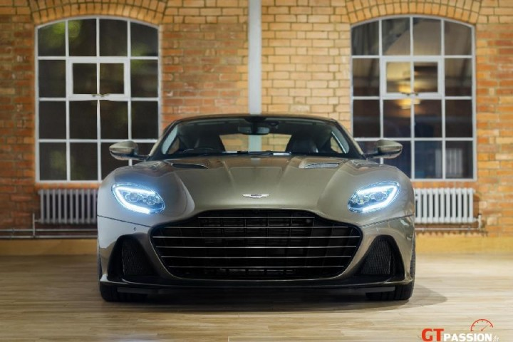 Aston DBS Superleggera OHMSS