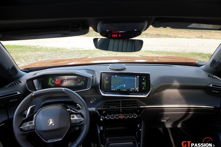 Nouveau Peugeot 2008 GT